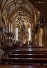 Österreich, Heiligenblut an der Hochalpenstraße, Kirche (joergpeterjunk) Tags: österreich heiligenblut hochalpenstrase indoor bauwerk kirche altar kirchenbänke canoneos50d canonefs1785mmf456isusm