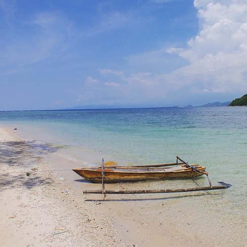 """Gili Nanggu is perhaps my favourite Gili Island on Lombok with A great Coral reef and many varieties of fish for snorkelling 😊  When most of the people hear the name """"Gili"""", they think of the 3 famous Gili Islands Trawangan, Meno and Air in the nort"""