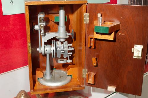 Réfractomètre Hilger et Watts