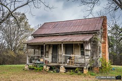 Old Homestead (The Suss-Man (Mike)) Tags: abandoned abandonedhouse barn barnhunt barnhunting georgiabarnhunters house northeastgeorgia oglethorpecounty old ruralgeorgia sonyilca77m2 sussmanimaging thesussman wood