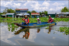 Boating.  Tonle Sap (Claire Pismont) Tags: asia asie travelphotography travel boat boating floatingvillage battambang tonlesap clairepismont pismont cambodia cambodge lac lake river