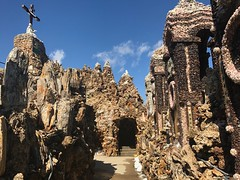 Father Dobberstein's Grotto of the Redemption (kellyludwig) Tags: grotto folkartenvironment geodes fatherdobberstein religious embellished roadtrip iphone7plusbackdualcamera399mmf18