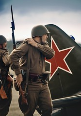Aerodrome (strobphoto) Tags: aerodrome russian soldier second world war reconstruction tomasnsk thomas click 戦争 飛行場 ソ連邦 ロシア語 歴史 reportažas filmas wiederaufbau wederopbouw