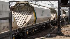 JGA 19178 (JOHN BRACE) Tags: jga 19178 built 1994 by powell duffryn france seen leeds station unbranded tarmac livery 1110 hull dairycoates rylstone stone train passing 1323 running time