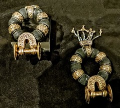 Earrings with granulation from King Tutankhamun's tomb New Kingdom 18th Dynasty 1332-1323 BCE (mharrsch) Tags: earrings jewelry granulation gold kingtutankhamun tomb burial funerary newkingdom 18thdynasty 14thcenturybce egypt ancient pharaoh ruler monarch king discoveryofkingtut exhibit newyork mharrsch premierexhibits