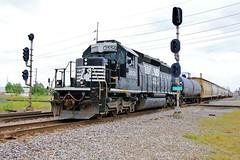 This Looks Familiar (BravoDelta1999) Tags: norfolksouthern ns railway wabash wab railroad wabic interlocking decatur illinois emd sd402 3556 manifest train brush yard