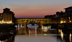 Ponte Vecchio sobre el Arno (chemakayser) Tags: arno puente vecchio firenze florencia italy italia sunset