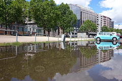 Boulevard d'Avroy (Liège 2017) (LiveFromLiege) Tags: liège belgique belgium liege europe architecture city reflet reflection puddle puddlegram puddlephotography