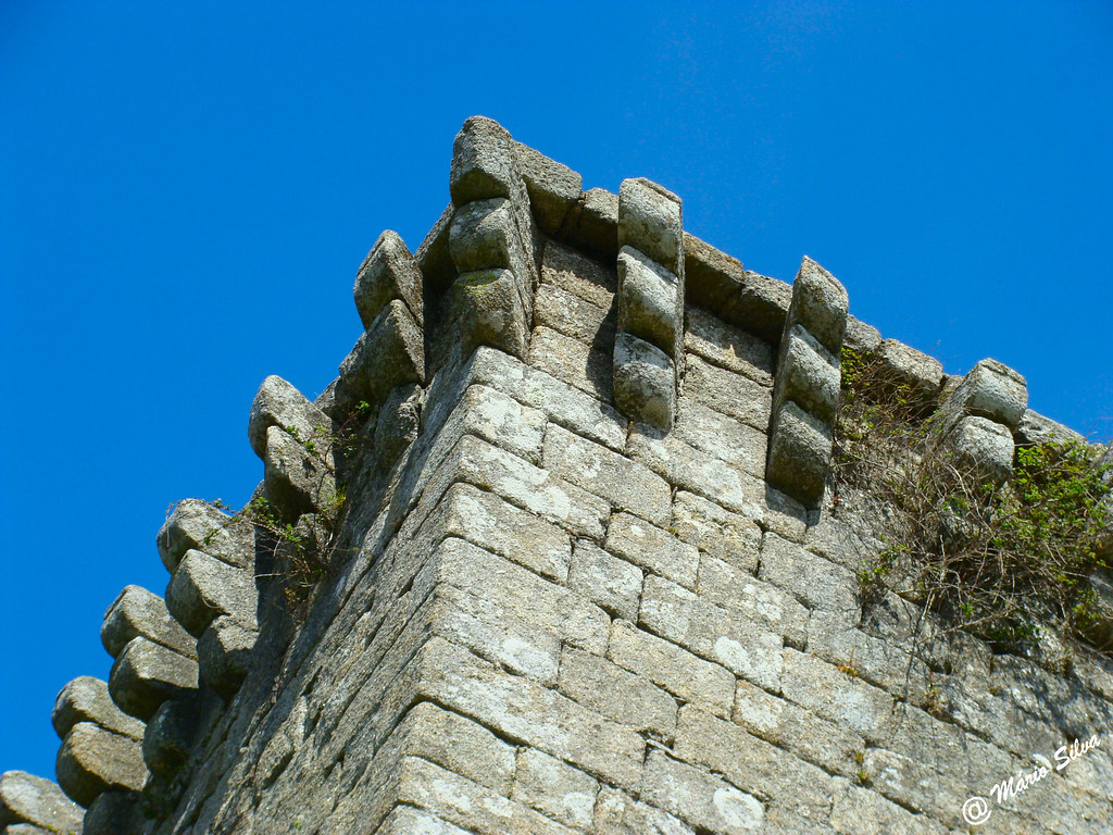 Águas Frias (Chaves) - ... pormenoe da torre de menagem do Castelo de Monforte de Rio Livre ...