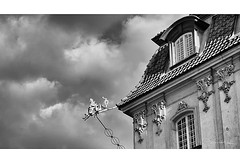 Roofs of Warsaw III (smoothna) Tags: warsaw oldtown smoothna fujix30 bw architecture poland