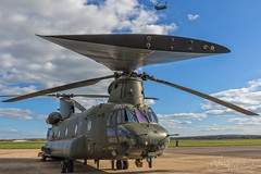 Royal Air Force Boeing-Vertol CH-47 HC.4 Chinook ZA713 (benji1867) Tags: royal air force boeingvertol ch47 hc4 chinook za713 27b 27 27sqn squadron raf odiham hants hampshire coap rotor blade wokka transport search rescue with all speed stars quam celerrime ad astra elephant avgeek avporn aviation chopper helo helicopter copter fly flight flying cab boeing vertol canon 7d2