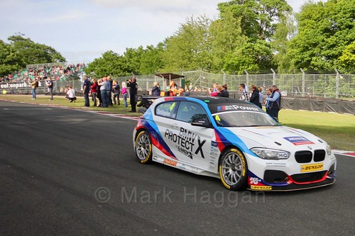 Colin Turkington head onto the grid at Oulton Park, May 2017