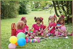 Kindergartenfest im Grugapark ... (Kindergartenkinder) Tags: grugapark essen kindergartenkinder blüte garten blume park frühling annette himstedt dolls tivi milina margie annemoni sanrike kind personen