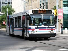 CT_7950_D40LF (Shahid Bhinder) Tags: mypictures transport transit newflyerbuses calgarytransit d40lf