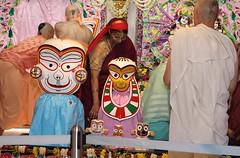 Snana Yatra 2017 - ISKCON-London Radha-Krishna Temple, Soho Street - 04/06/2017 - IMG_2322 (DavidC Photography 2) Tags: 10 soho street london w1d 3dl iskconlondon radhakrishna radha krishna temple hare harekrishna krsna mandir england uk iskcon internationalsocietyforkrishnaconsciousness international society for consciousness snana yatra abhishek bathe deity deities srisri sri lord jagannath baladeva subhadra 4 4th june summer 2017
