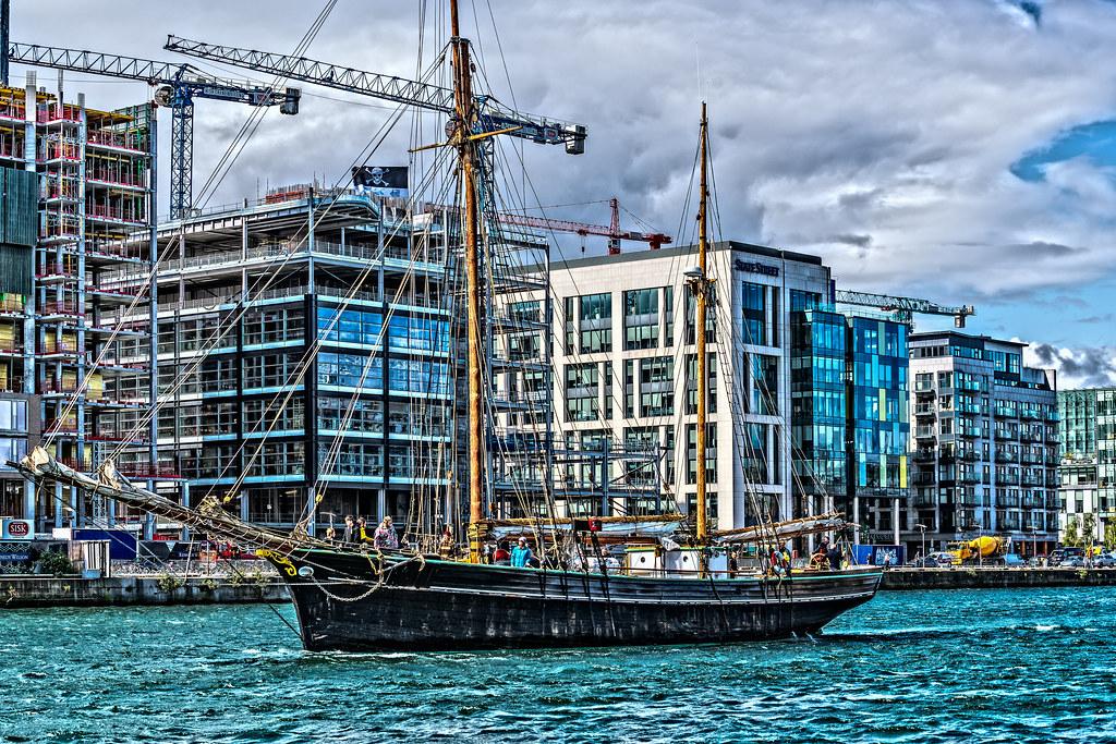 Bessie Ellen - 1904 Historic Trading Ketch [Departing Dublin Port]-129453