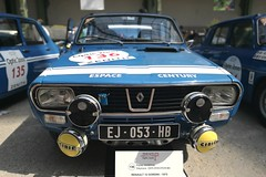 #136 Renault 12 Gordini 1972 (seb !!!) Tags: 2017 auto automobile automovel automovil automobil berline canon 1100d cars course sportive anciennes ancienne old oldtimers populaire paris seb france voiture wagen car tour optic 2000 grand palais française français french französisch frankreich francia frança francese francês francés race racing competition photo picture foto image bild imagen imagem bleu blau blue azul blu bande strip streifen tira striscia blanc blanche white blanco branco bianco weiss classique classic klassic huawei p3 eva l09