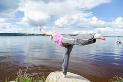 yoga on a stone by a lake (VisitLakeland) Tags: jooga joga yoga lakeland finland wellness hyvinvointi relax rentoutuminen balance tasapaino harmony harmonia lake järvi shore ranta beach