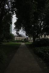 Bessborough Gardens (Tom Doel) Tags: path park gardens embankment pimlico london bessboroughgardens