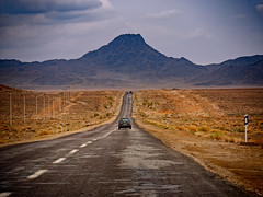 the road ahead (CamelKW) Tags: 2017 iran isfahan kashan abyaneh road mountain