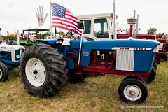 Is it a John Ford Harvestor, or should we just call it Red White and Blue? (Thomas DeHoff) Tags: tractor john deere red white blue iowa dyersville sony a700