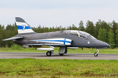 HW-307 Finnish Air Force British Aerospace Hawk Mk51, EFSI, Finland (Sebastian Viinikainen.) Tags: finnish air force hw307 british aerospace hawk mk51 efsi airshow midnight hawks