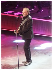 Neil Diamond @ The Wells Fargo Center • Philadelphia • Tuesday June 20, 2017 • Samsung WB350F (SCHIFF71) Tags: neildiamond