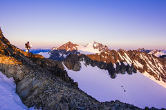 Rahm Sunset (Jason Hummel Photography) Tags: skiing climbing hiking skimountaineering northcascades northcascadesnationalpark nationalpark park washington washingtonstate mountains snow mountain chilliwacks sethholton custer mountcuster mountspickard chilliwackmountains jas1225