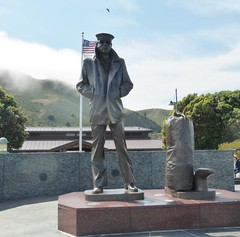 THE LONE SAILOR STATUE AT VISTA POINT (SAUSALITO) (kelsey61) Tags: sailor statue thelonesailor vistapoint sausalito california duffelbag stone marble platform