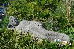 Repos d'un Bouddah (Monde-Auto Passion Photos) Tags: bouddah asiatique statue longue pierre france bretagne saintphilibert grosse grande enorme