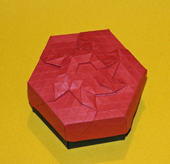 Diamond crown tessellation version 2 (mganans) Tags: origami tessellation box