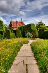 Oast House, Great Dixter. (Sez_D) Tags: greatdixterhouseandgardens oasthouse hoppicking eastsussex northiam kentscape
