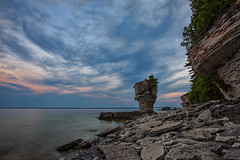 Flowerpot Sunset - Flowerpot Island, Georgian Bay Canada (B.E.K.) Tags: flowerpot island georgian bay ontario canada sunset rock formation sky clouds water outdoor landscape coast shore