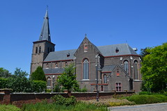 Sint-Monulphus-en-Gondulphuskerk, Sint-Huibrechts-Lille (Erf-goed.be) Tags: sintmonulphusensintgondulphuskerk kerk sinthuibrechtslille neerpelt archeonet geotagged geo:lon=54851 geo:lat=512259 limburg