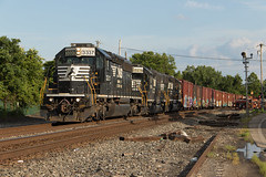 Quite A Spread (Stratonimbus) Tags: sd402 gp382 gp383 train philadelphia abrams emd