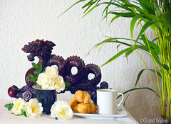 Happy Midsummer! (gustaf wallen) Tags: happymidsummerhyvääjuhannusta gladmidsommar summerinthenorth hyvääjuhannusta juhannus suomi finland europe looksofeast atthenorth dragon dragonfromeast whiteroses