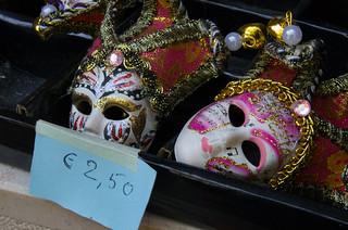 Peeking over prices