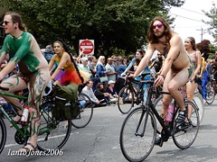 DSCN2086 (IantoJones2006) Tags: fremont solstice cyclists 2017 naked bike seattle parade nude painted body paint bicycle