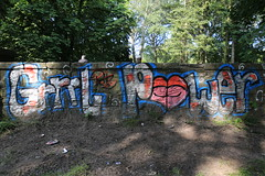 Graffiti - Grrrl Power (Pascal Volk) Tags: berlin wedding hansschomburgkpromenade plötzensee berlinmitte graffiti streetart urbanart park parque wideangle weitwinkel granangular superwideangle superweitwinkel ultrawideangle ultraweitwinkel ww wa sww swa uww uwa 24mm canoneos6d sigma24mmf14dghsm|art 24mmf14 24mmlens unpointquatre onepointfour