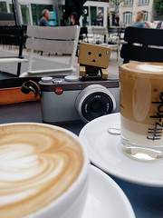 coffee time (Steve only) Tags: nexus 5x cellphone snaps berlin cafe danbo 阿楞 ダンボー