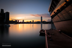 Relax (syphrix photography) Tags: syphrix singapore south east asia evening sunset sun dusk marina bay sands platform glow red yellow orange canon 2017 skyline long exposure silhouette cityscape city smooth water waterfront