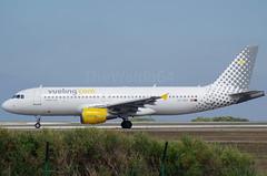 EC-HGZ (Menorca LEMH-MAH) (TheWaldo64) Tags: menorca lemh mah vueling airbus a320 a320214 echgz