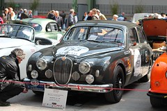 #153 Jaguar MK I 3.4L 1959 (seb !!!) Tags: 2017 auto automobile automovel automovil automobil canon 1100d cars course sportive anciennes ancienne old oldtimers populaire paris seb france voiture wagen car tour optic 2000 grand palais photo picture foto image bild imagen imagem race racing competition classique classic klassic chrome grande bretagne anglais anglaise english british britain england grise grigio gris grau gray cinza berline limousine