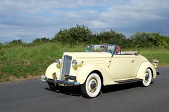 PACKARD 115C cabriolet 1937 (claude 22) Tags: tourdebretagne abva 2017 rallye old vintage classic vehicule cars voitures automobiles collection brittany finistère packard 115c cabriolet 1937 roadster american fuji fujifim 18135mm fujinon tourdebretagneabva vehicles tourdebretagne2017 claude22 claudelacourarie