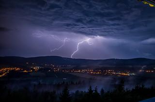 Blitze zucken über der Oberlausitz