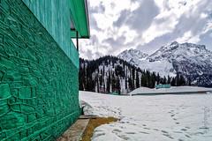 Snow 33 ... (Bijanfotografy) Tags: zeiss zeissdistagon15mm28 zeiss15mm nikon nikond800 india snow sonamarg kashmir jammukashmir jk northindia mountainside house