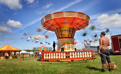 Dizzy: Flying chairs (PentlandPirate of the North) Tags: cheshiresteamrally daresbury tractionengine flying chairs dizzy bigwheel vintage tractionengines runcorn england fairground outdoorshows