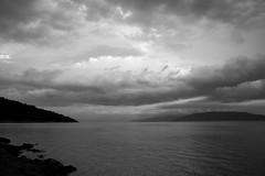 Valun, Otok Cres (difridi) Tags: kroatien difridi hrvatska valun cres landschaft landscape meer mittelmeer mediterranian schwarzweiss blackandwhite wolken clouds gewitter kvarner thunderstorm