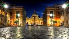 Une nuit à St-Pierre (CloudPhotoz) Tags: san pietro saint pierre rome roma italie italia street rue architecture architectural night nuit nocturne light lumière urbain urban