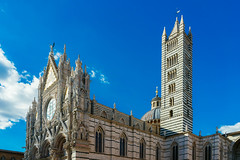 Duomo di Siena (wuestenigel) Tags: stone church city siena summer tuscany towers defence walls tourism italy sky architecture tree eu beautiful travel toscana italien it diearchitektur kirche gothlike gothwie reise building gebäude cathedral dom gothic gotisch religion himmel tower turm noperson keineperson old alt ancient stadt outdoors drausen turningpoint wendepunkt tourismus stein monument facade fassade